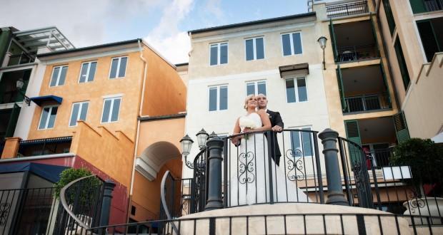 Laura Barton married Federico Sienra